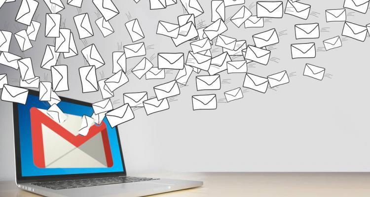 Gmail körlevél a címtárból, névjegyek használatával